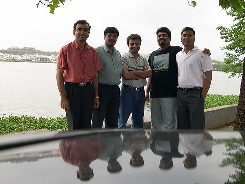 small_lake_5_friends